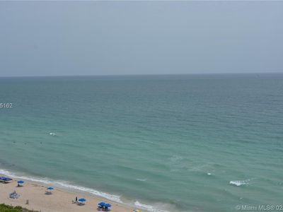 Photo for CASTLE BEACH DIRECT OCEANFRONT MIAMI BEACH SUITE