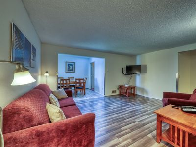 Photo for Two bedroom suite, shared indoor pool & hot tub - Dogs welcome!