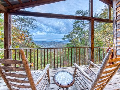 Secluded home w/ private indoor hot tub & sweeping mountain views - dogs OK!
