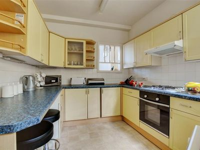 Photo for Apartment Castle Apartment in Looe - 5 persons, 2 bedrooms