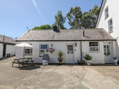 Photo for The Farm Cottage @ The Stables, GROESLON