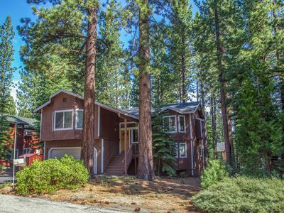 Photo for Sleeps 12, Hot Tub, Movie Room, Huge Elevated Back Deck, Hiking Out Front Door!