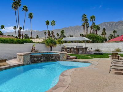 Photo for Dream Oasis Pool and Spa close to downtown Palm Springs.