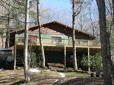 Photo for Charming 4 Bedroom Mountain Home Near the Slopes