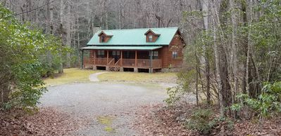"A ""GEM"" in the Forest Log Cabin Vacation Rental"