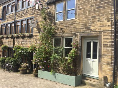 Photo for 29 MAIN STREET, pet friendly, with a garden in Haworth, Ref 946533