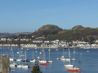 Photo for Spacious family friendly house in central Conwy with fantastic sea views