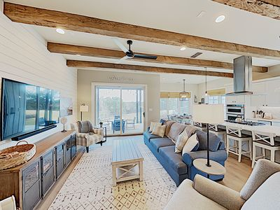 Photo for Dreamy Farmhouse on The Reserve at Lake Travis w/ Swim Park & Marina