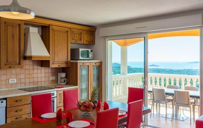 Photo for Two-room terraced house with sea views
