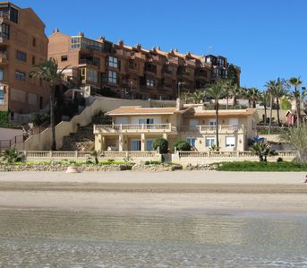 Photo for Housing beachfront, with direct access to the beach, explandidas views.