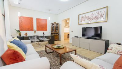 Photo for Large bright apartment in Seville Center