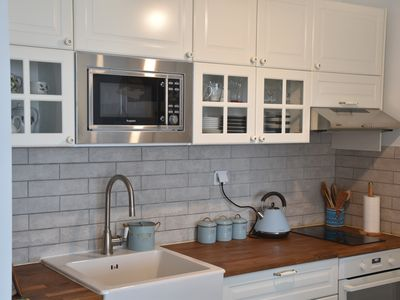 Photo for Newly renovated one-bedroom condo with large balcony