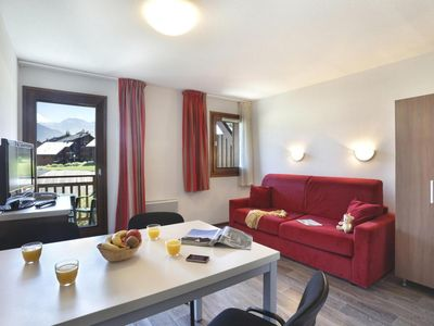 Photo for Wifi, swimming pool, terrace, balcony, parking, tv, ski locker, 28m², Morillon