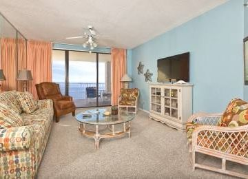 Spacious Beachfront with Great View, 2 Pools, Tennis,  & More!
