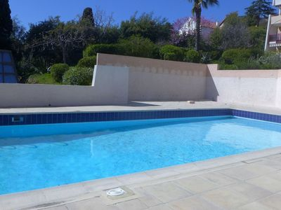 Photo for Cosy apartment for 4 people with WIFI, pool, TV, pets allowed and parking