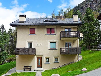 Photo for Apartment Chesa Travogl in Pontresina - 2 persons, 1 bedrooms