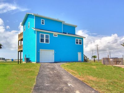 Photo for Lovely home nestled on a quiet beach on Mustang Island!