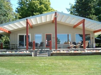 Beautiful Home and deck to view and enjoy the  big Lake  Michigan