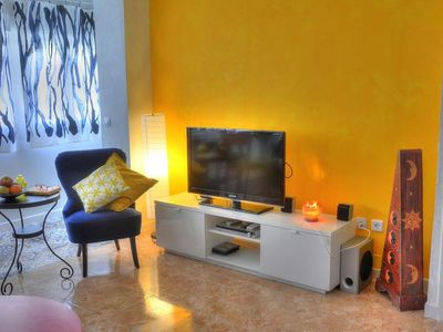Photo for Botijo apartment in Macarena with WiFi & air conditioning.