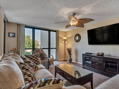 Photo for Gorgeous coastal condo in Destin! Free DVD rentals! Basketball + volleyball courts on-site!