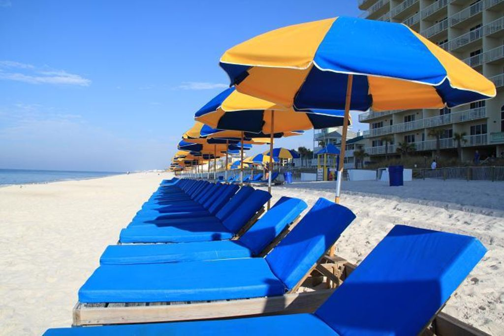 Exceptional The ONLY Condo With FREE Cushion And Umbrella Service For FOUR Beach Chairs!
