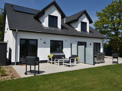 Photo for Luxurious Holiday Home in Kühlungsborn with Terrace