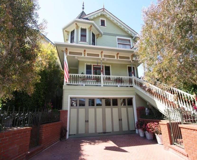 Charming victorian stay in our beautiful victorian 5 for Our victorian house