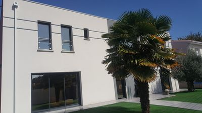 Photo for Architect house with medoc doors with pool and spa (steam room and Jac)