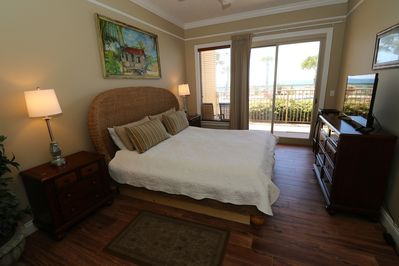 Gulf front Master bedroom with king size bed and large flat screen cable tv