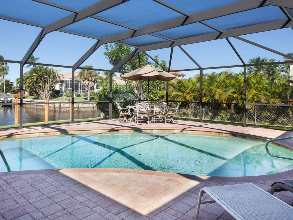 Gulf way newly renovated waterfront luxury pool home on - Houses to rent in uk with swimming pools ...