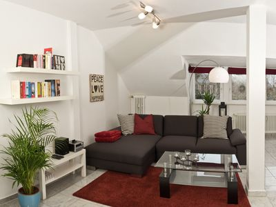 Photo for Central, modern apartment with excellent transport links