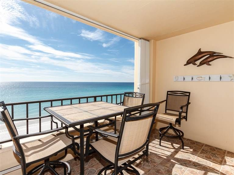 This mediterranean gulf front condo is ideal for all beach lovers!!