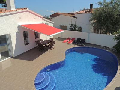 Photo for Nice villa near the center, with clime, swimming pool, terrace, BBQ, WiFI, parking