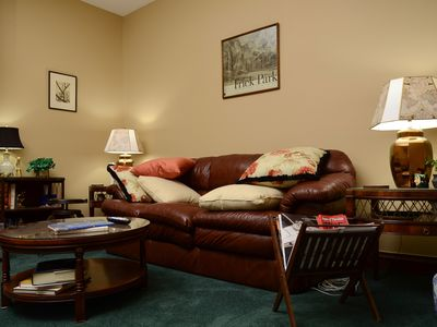 Photo for Beautiful 2BR Apt. /Pittsburgh/East/Regent Square/Frick Park