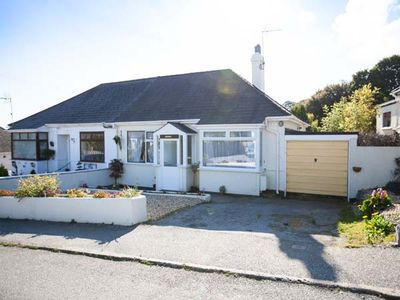 Photo for LOWENNA, pet friendly, with a garden in Falmouth, Ref 905003