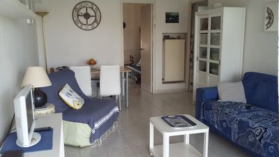 Photo for Six-Fours / Sanary pretty T2 46m ² + terrace (table loungers), beach at 5mn walk