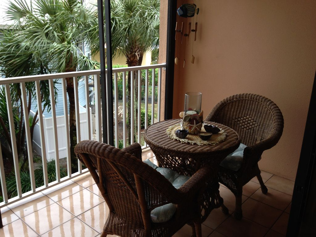Attractive 1 Bedroom Condo on the Gulf of Mexico