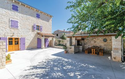 Photo for 4 bedroom accommodation in Burici