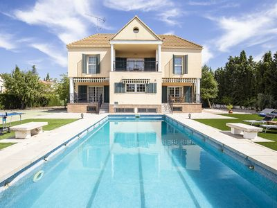 Photo for Large house with pool, sports facilities and barbecue ideal for families