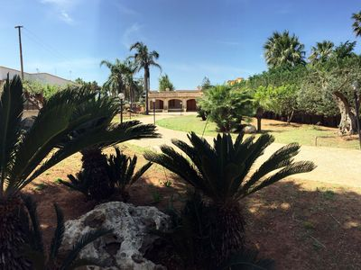 Photo for Villa with pool at 150 meters from the sea
