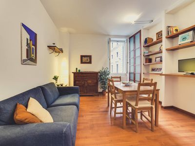 Photo for Elegant and Quiet flat in City Center