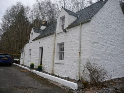 Photo for Cosy cottage, ideally located for exploring Skye and Lochalsh