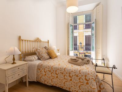 Photo for Apartment with beautiful balcony on Molina Lario street, next to the Cathedral