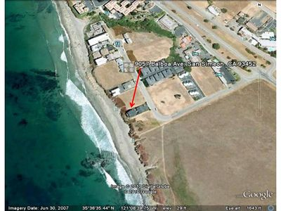 Satellite view - Here is a photo I grabbed from Google Earth.  It shows the condo complex (four ocean front condos).  You can see worl-famous Highway 1 (Pacific Coast Highway) going by diagonally to the right.  Hearst Castle is just two miles north on HWY 1.