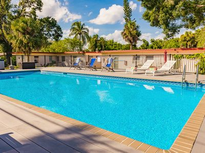 Photo for 20' x 40' salt water pool, 8 minutes to the airport