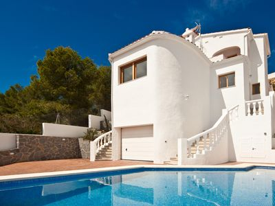 Photo for Stunning, newly renovated house with private pool and sea view