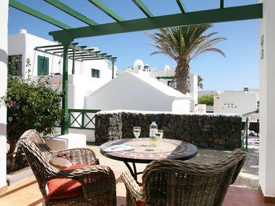 Photo for Bright, spacious apartment with Wifi, Air Con and U.K. TV in Puerto Del Carmen