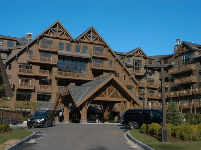 Lodge at Spruce Peak - 3 Bdrm, Ski In/Out & Steps Away from All the Action!