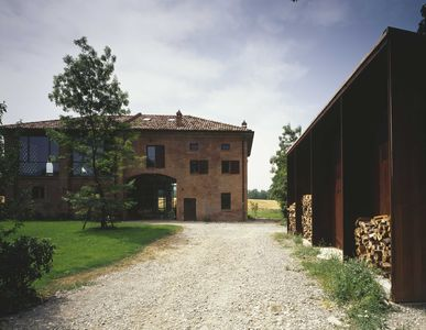 Photo for old Lombard barn in 1908 brick renovated in a modern way