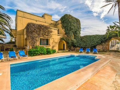 Photo for Idyllic 3 bedroom Villa w/spectacular views, a short drive from Victoria